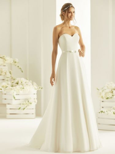 Strapless A-line wedding dress with sweetheart neckline, chiffon